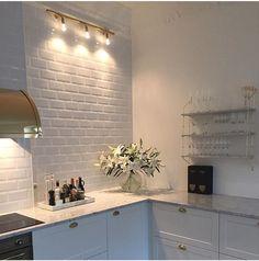 iluminação prateleiras cozinha