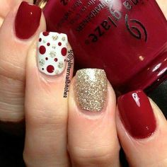 Christmas Nail art Designs and Ideas 7 (Unghie Natalizie Christmas Nails) Xmas Nails, Holiday Nails, Red Nails, Christmas Manicure, Easy Christmas Nails, Christmas Time, Chistmas Nails, Xmas Nail Art, Winter Christmas