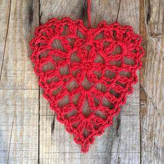 Crochet christmas hearts ❤️ Yarn: järbo 8/4 Hook: 2,5 English and Swedish pattern in my blogg❤️