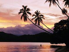 Sunset in Fiji Islands...   This is where im going on my honeymoon!(: