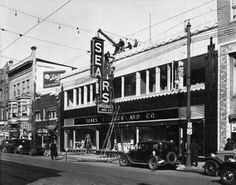 Sears and Robuck Co sign going in, Main St, downtown Lexington, Ky Old Images, Old Pictures, Old Photos, Vintage Pictures, Bing Images, My Old Kentucky Home, Kentucky Derby, Kentucky Wildcats, Best Places To Live