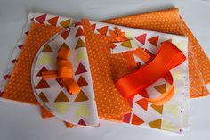 Tuto pour coudre un sac polochon – Paris / Normandie Couture Creation Couture, Diy Couture, Sewing, Crochet, Paris, Crafts, Ely, Recherche Google, Pouch