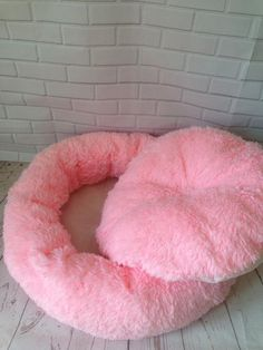 Pet pink and light grey luxury dog bed Designer pet cat dog Pink Dog Beds, Pet Beds, Comfy Dog Bed, Personalized Dog Beds, Dog Accesories, Dog Beds For Small Dogs, Large Dogs, Gato Gif, Designer Dog Beds