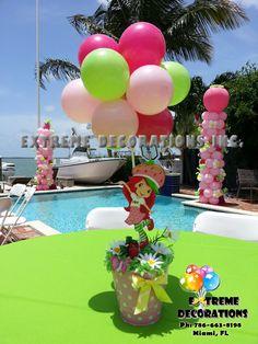 Strawberry shortcake topiary balloon centerpiece