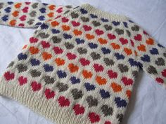 free heart sweater pattern (in danish) Knitting For Kids, Crochet For Kids, Sewing For Kids, Hand Knitting, Knit Crochet, Fair Isle Knitting Patterns, Knitting Designs, Knitting Projects, Punto Fair Isle