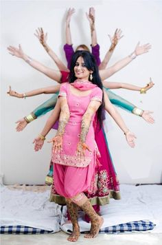 How To Pose For Pictures With Friends The Bride Ideas Mehendi Photography, Indian Wedding Photography Poses, Indian Wedding Photos, Party Photography, Photography Ideas, Candid Photography, Indian Weddings, Fashion Photography, Indian Pictures