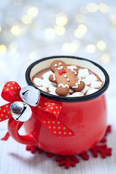 Christmas Party Food and Drink Ideas: Hot Chocolate (for adults! Christmas Party Food, Christmas Drinks, Christmas Mood, Merry Little Christmas, Noel Christmas, Christmas Treats, Christmas Cookies, Xmas Holidays, Christmas Morning
