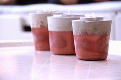 Kerzenhalter gegossen mit Blitzzement und mit Kupferlack besprüht.