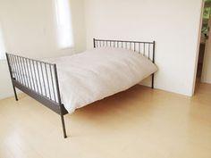 すがすがしい…ミニマリスト達の「なんにもない部屋」画像集 - NAVER まとめ Cute Toys, Minimalist Interior, Minimalism, Bedroom, Simple, Naver, House, Furniture, Design