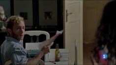 Captura vídeo Fuente: http://www.rtve.es/alacarta/videos/cuentame-como-paso/cuentame-como-paso-t16-aquellos-polvos-estos-lodos-capitulo-274/2950434/
