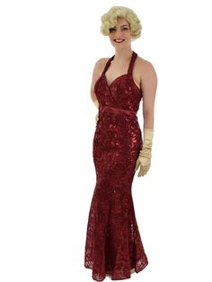 Just add long satin gloves to complete your. Mermaid Evening Gown, Mermaid Gown, Mermaid Dresses, Glamour Ladies, Old Hollywood Glamour, Vintage Inspired Outfits, Vintage Outfits, Long Formal Gowns, Paisley Dress