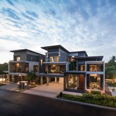 Luxury Homes Exterior, Luxury Modern Homes, Luxury Homes Dream Houses, Dream House Exterior, House Roof Design, Home Building Design, Modern House Design, House Architecture Styles, Grand Homes