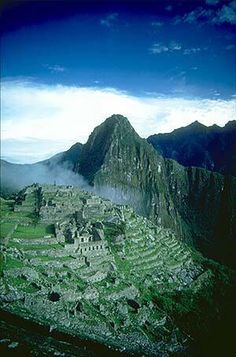 Machu Pichu  Google Image Result for http://4.bp.blogspot.com/-_wvloXBr5ls/UGOALQXi7kI/AAAAAAAABWA/deDbq7_mSFE/s1600/machu.jpg
