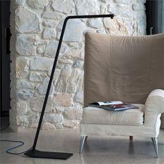 Subdued LED floor lamp made of aluminum -colibri by Emiliana Martinelli - Decoration Led Floor Lamp, Modern Floor Lamps, Luminaire Design, Lamp Design, Diy Home Decor, Room Decor, Indirect Lighting, Design Awards, Light Decorations