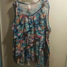*PLUS SIZE* WOMENS TOP Your looking at a Plus Size Women's top it is was worn twice but in excellent condition you can wear this gorgeous top to work then straight to Happy Hour..*DON'T MISS OUT!!*SMOKE N PET FREE HOME* No Boundaries Tops Crop Tops