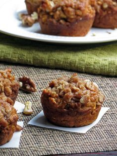 Healthy Oatmeal Pumpkin Muffins with a cinnamon streusel on top. Perfect for a crisp Autumn morning!