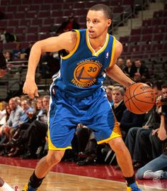 12.5.12   Stephen Curry logged 22 points, 10 assists and four steals, marking his fourth-straight game with at least 20 points and 10 assists.