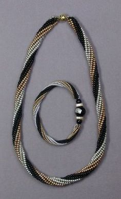 Herringbone Spiral Class Seed Beads - new season bijouterie Diy Jewelry Necklace, Seed Bead Necklace, Seed Bead Jewelry, Bead Jewellery, Jewelry Sets, Beaded Necklace, Beaded Bracelets, Seed Beads, Jewelry Making Tutorials
