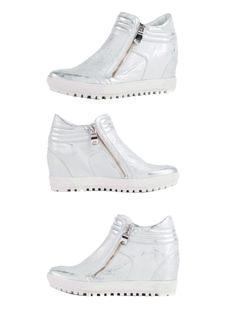 Niesamowicie wygodne sneakersy w dość nietypowym kolorze :)  Cena/price: 349.00 PLN    #eksbut #eksbutstyle #fashion #moda #women #kobieta #shoes #buty #obuwie #trendy #sneakers