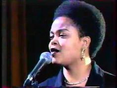 THE ROOTS feat. JILL SCOTT - You Got Me (Canal+ 19.04.99) - YouTube Jill and The Roots at their best!
