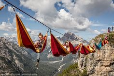 More pictures @ amazingonearth.blogspot.com/2015/03/hammocks-strung-up-at-dizzying-heights.html