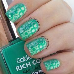 Green - Leonie's Nailart