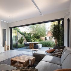 Showroom Interior Design, Modern Home Interior Design, Home Design Decor, Dream Home Design, Patio Design, My Dream Home, Interior And Exterior, Open Plan Kitchen Living Room, Open Plan Living
