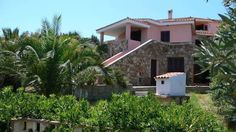 Citai Hill San Teodoro Featuring a garden, Citai Hill is located a 2-minute drive from the centre of San Teodoro. Offering an apartment with a patio and views of the Tyrrhenian Sea, it has free private parking.