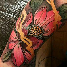 Japanese Flower Tattoo, Japanese Sleeve Tattoos, Japanese Flowers, Body Art Tattoos, Cool Tattoos, Tatoos, Piercing Tattoo, Piercings, Asian Tattoos