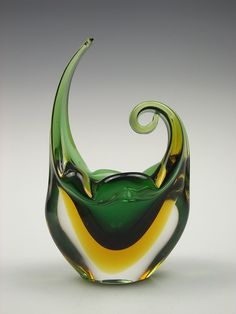 Murano Sommerso green and yellow glass vase Murano Glass Vase, Fused Glass, Stained Glass, Art Of Glass, Art Deco Glass, Glass Collection, Hand Blown Glass, Colored Glass, Accent Pieces
