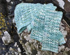 Aqua Ripples Lace Cowl and Mittens is a lovely pattern perfect for that special hand dyed 4ply or DK yarn that you have squirrelled away.