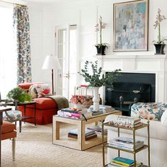 Connie Newberry via DH Guide/House Beautiful. http://dhguide.deringhall.com/articles/house-beautifuls-easy-elegance/
