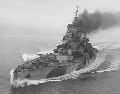 英戦艦「キング・ジョージ5世」級は宥和主義の産物? 1922年に調印されたワシントン海軍条約の失効を見越して建造された列強各国の新型戦艦は日本の「大和」型やアメリカの「アイオワ」級をはじめ国力と技術力を結集した極めて強力な艦ばかりであった。...