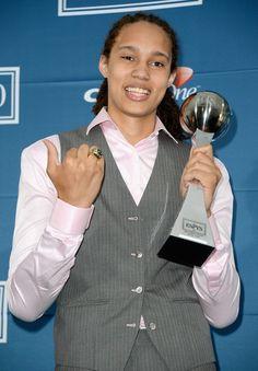 Baylor Basketball, Basketball Goals, Basketball Players, Brittney Griner, Espy Awards, Wnba, World Of Sports, Female Athletes, Green And Gold