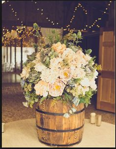 These entry flowers would look perfect in a country or rustic wedding!
