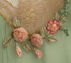 Wonderful Ribbon Embroidery Flowers by Hand Ideas. Enchanting Ribbon Embroidery Flowers by Hand Ideas. Silk Ribbon Embroidery, Vintage Embroidery, Embroidery Patterns, Hand Embroidery, Ribbon Art, Ribbon Crafts, Lazy Daisy Stitch, Passementerie, Antique Lace