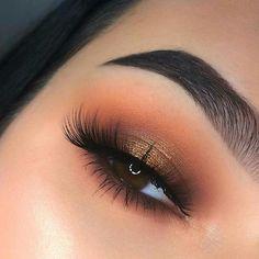Gorgeous Eye Makeup For a Catchy and Impressive Look - eye shadow ,gold eye make. - Haare und Make Up - Eye-Makeup Copper Eye Makeup, Shimmer Eye Makeup, Makeup Eye Looks, Beautiful Eye Makeup, Smokey Eye Makeup, Cute Makeup, Glam Makeup, Eyeshadow Makeup, Natural Makeup