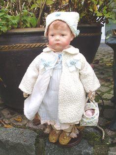 Hier meine süße Käthe Kruse Puppe I in ihrer Winterkleidung. Befindet sich in meiner Sammlung...