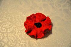 brooch. crochet. handmade Crochet Hats, Beanie, Brooch, Handmade, Knitting Hats, Hand Made, Brooches, Beanies, Handarbeit