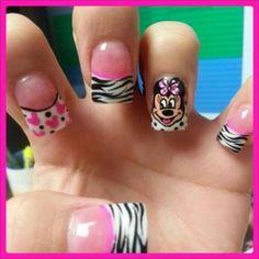 Nailed Down's Mickey & Minnie Nails Check Out these cute Minnie Nails Minnie Mouse, Disney Nail Art, Cartoon Nail Art