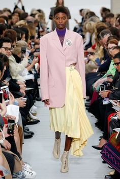 Céline Spring 2018 Ready-to-Wear  Fashion Show Collection