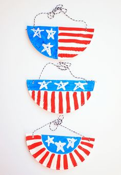 Easy Paper Plate Purses- Super fun kids craft! Just right for July 4th!