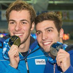 Gli italiani Gregorio Paltrinieri (medaglia d'oro) e Gabriele Detti (medaglia d'argento) sul podio al termine della finale dei 1500 metri stile libero