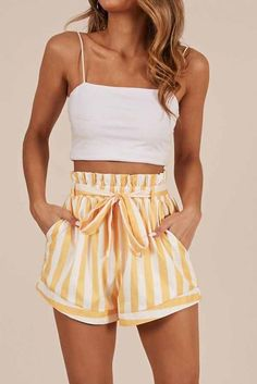 Striped High Waisted Paper bag Shorts Women's high waist paperbag shorts yellow striped paper shorts plus size paperbag waist shorts stripes fashion loose fitting paper bag shorts cute flowy shorts outfit 2019 Cute Casual Outfits, Cute Summer Outfits, Short Outfits, Spring Outfits, Summer Clothes For Teens, Cute Summer Tops, Teen Fashion Outfits, Look Fashion, Girl Outfits