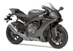 Back in Black: Top Five 2016 Sportbikes That Look Better in Black