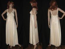 "1960's Beige Miss Elaine Nightgown HUGE 194"" Skirt Sz Small"