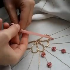 Ribbon Embroidery Tutorial, Hand Embroidery Patterns Flowers, Basic Embroidery Stitches, Hand Embroidery Videos, Flower Embroidery Designs, Silk Ribbon Embroidery, Diy Embroidery, Diy Tutorial, Bobby Pins