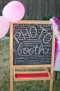 Domestic Fashionista: DIY Photo Booth... just use one of my classroom easels...