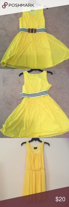 Yellow Spring Dress Only worn a few time. Perfect condition. Comes with belt. Iz Byer Dresses