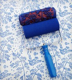 Forget having to peel wallpaper for good with these wall paper pattern paint rollers! So cool http://pinterest.com/kriselizdesign | DIY for Home & Fashion